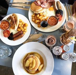 Breakfast at Café YOLK