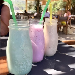 Milkshakes at Acron, Antisamos
