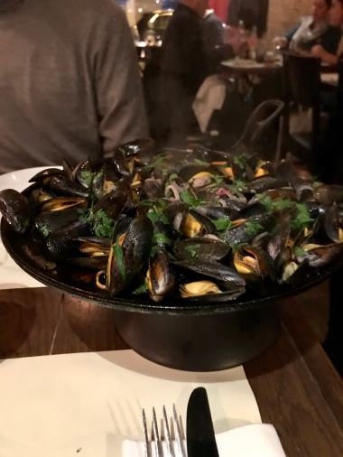 Mussells (Bouchot, Mont St Michel) grilled on the plancha
