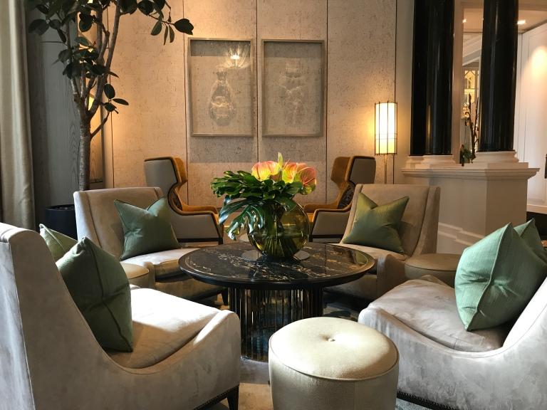 Mandarin Hotel Lounge