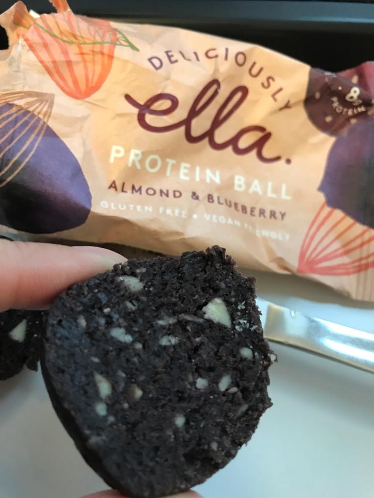 Deliciously Ella - Almond & Blueberry protein ball