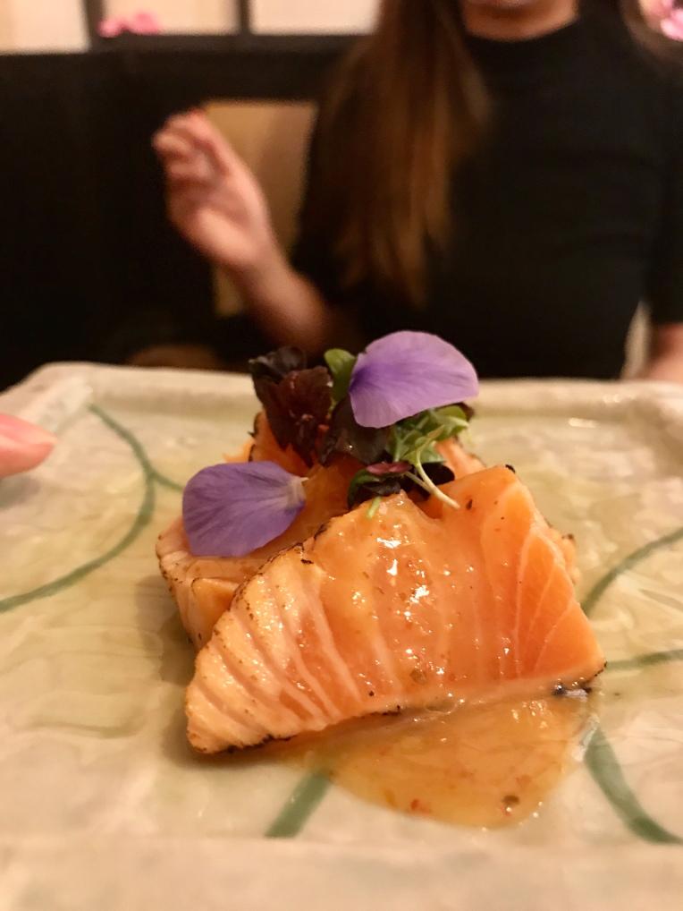 Seared salmon sashimi