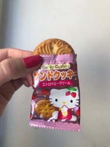 Sanrio Hello Kitty Strawberry Cream Sandwich Biscuit