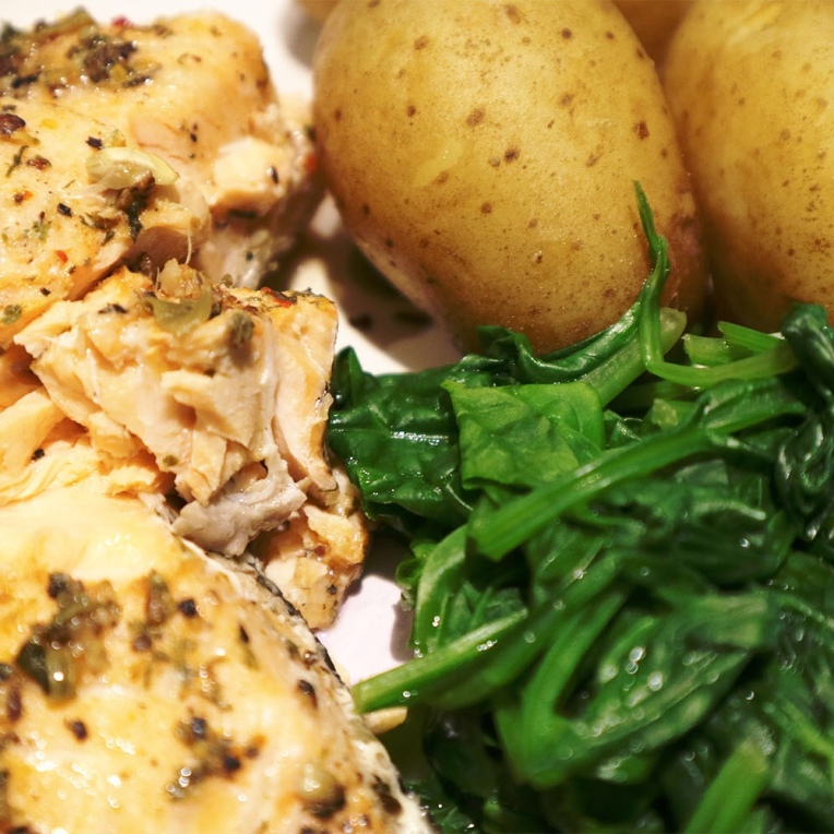 Baked Salmon with spinach & potatoes