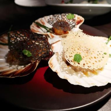 Wok-fry Scottish scallop